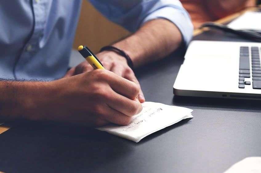 Consejos para ahorrar gastos en tu empresa